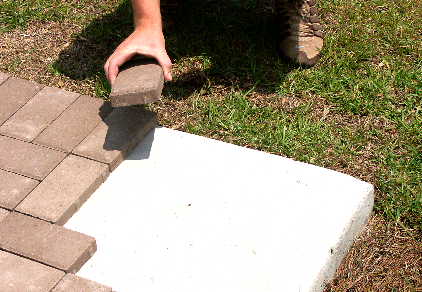 How To Properly Install 1″ Pavers Over Concrete - Lowcountry Paver